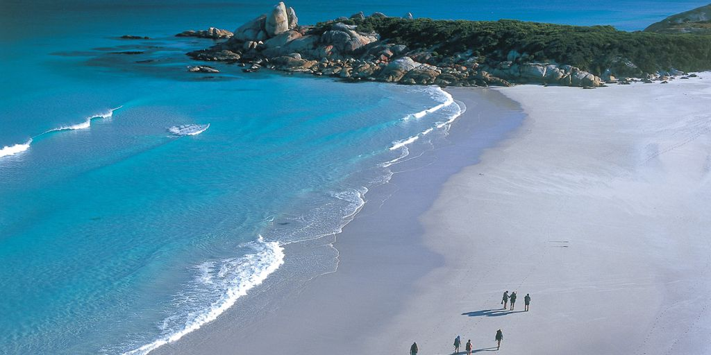The Sparkling Bay of Fires Lodge Walk