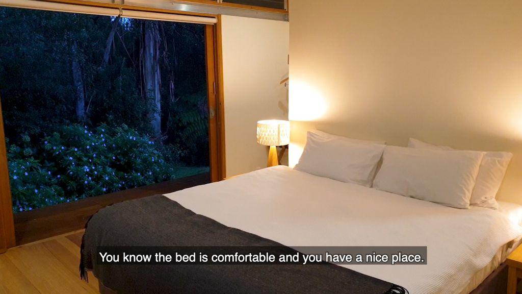 A very comfortable bed each evening, Twelve Apostles Lodge Walk
