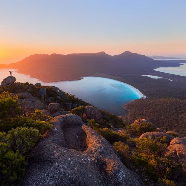 Wineglass Bay Sail Walk Tasmanian Walking Company Guided Walk